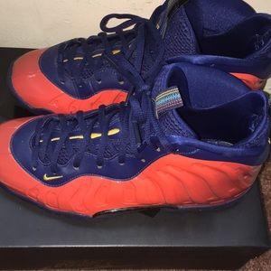 Nike Foams size 6y